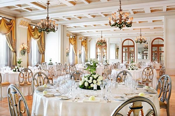 Γιατι ενας ballroom γαμος ειναι η τελεια επιλογη