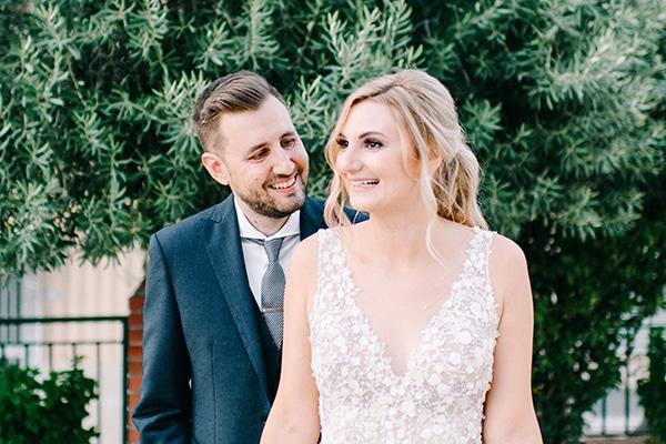 Καλοκαιρινος γαμος με υπεροχες λεπτομερειες
