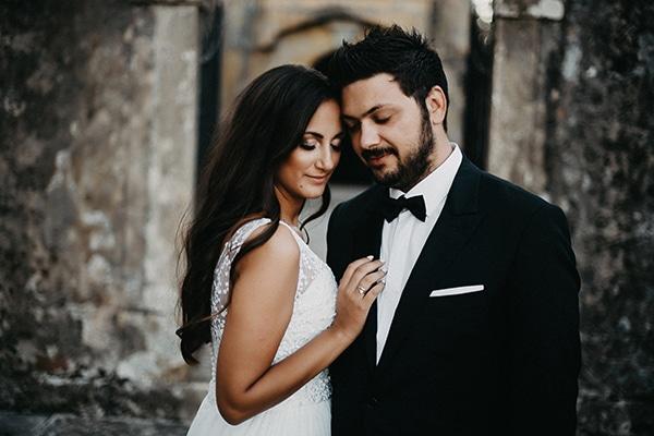 Καλοκαιρινός γάμος με ελιά και λευκά άνθη | Ρομπέρτα & Δημήτρης