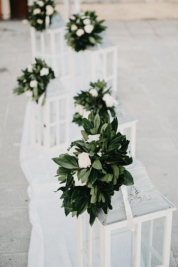 Στολισμος εκκλησιας με φαναρακια και λουλουδια