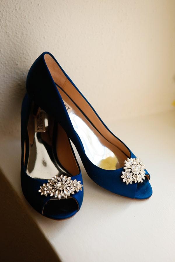 Νυφικά παπούτσια σε μπλε χρώμα