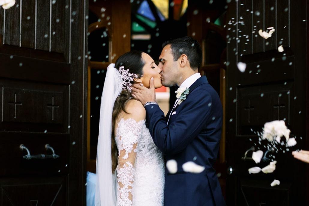 Elegant γάμος με τα πιο όμορφα λευκά λουλούδια | Francesca & Παύλος