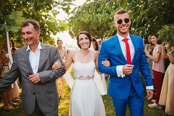 rustic-summer-wedding-baby-breath_17