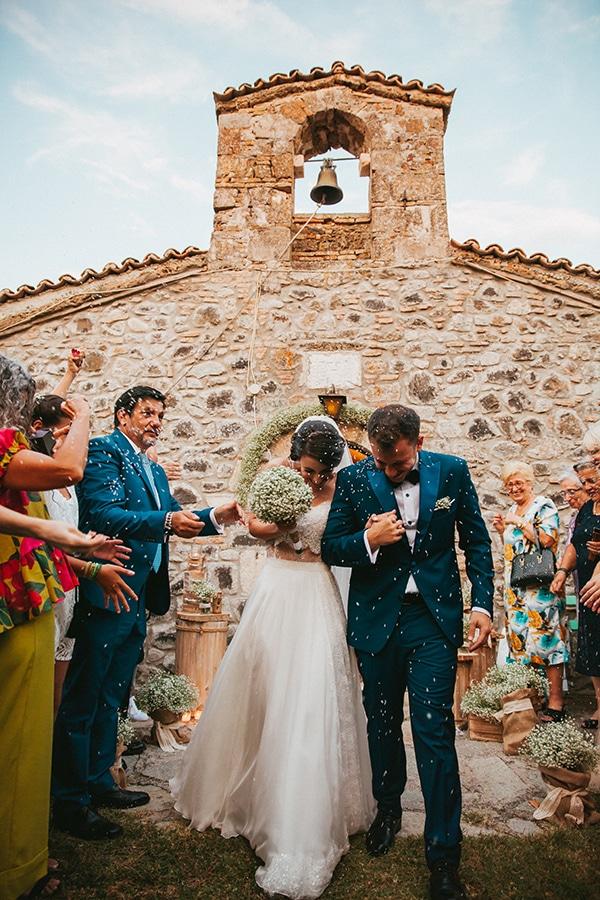 rustic-summer-wedding-baby-breath_22