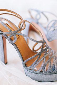 Λαμπερά νυφικά παπούτσια