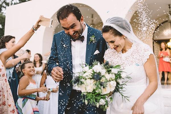 Ονειρικός γάμος με λευκές και μπλε αποχρώσεις στη Σαρωνίδα