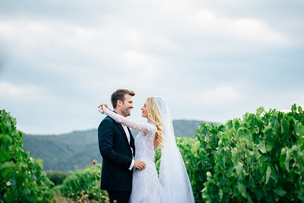 Elegant καλοκαιρινός γάμος με ρομαντικές λεπτομέρειες | Φαίη & Βασίλης