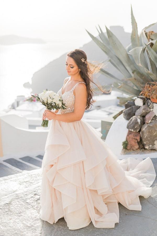 gorgeous-intimate-wedding-santorini_03