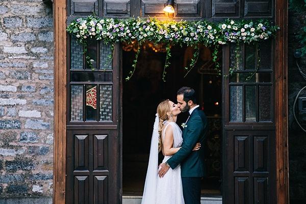 Ρομαντικος καλοκαιρινος γαμος στο Πηλιο σε αποχρωσεις του λευκου
