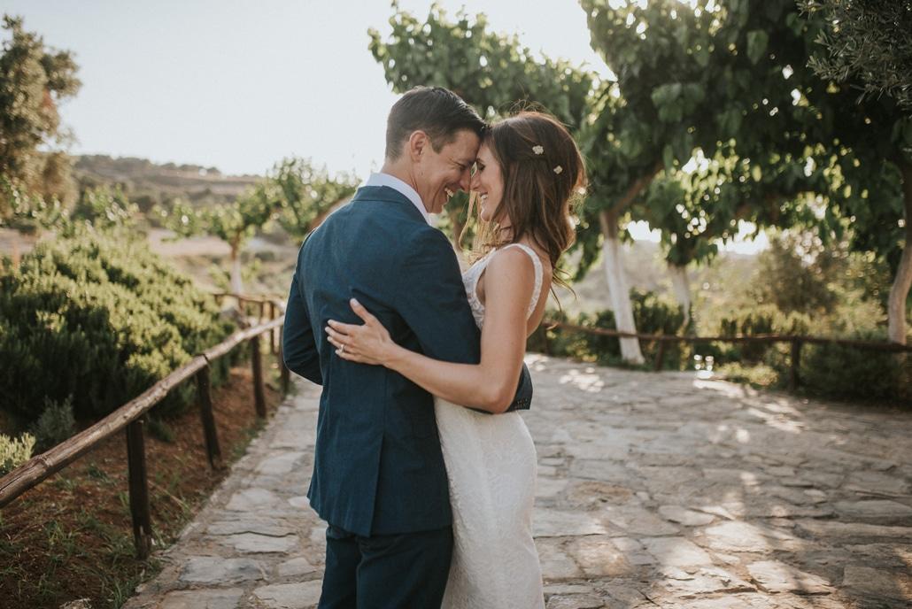 Ρομαντικός γάμος στο Ρέθυμνο σε πράσινες αποχρώσεις