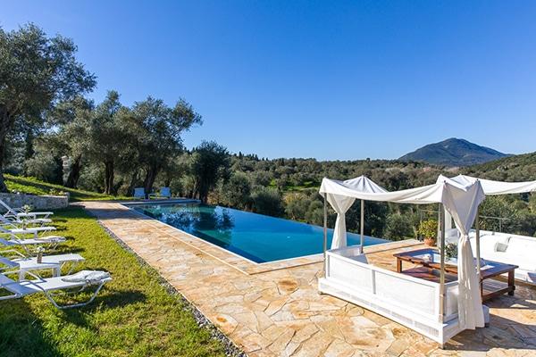unforgettable-honeymoon-rustic-courti-estate_02