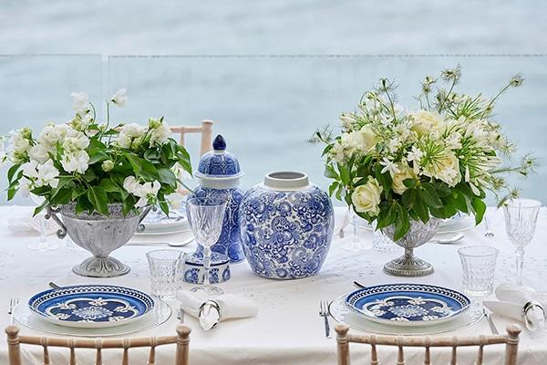 Μοναδικά επιτραπέζια σκεύη σε indigo σχέδια