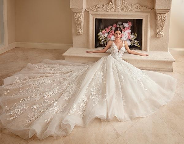beautiful-wedding-dresses-ultra-chic-look-demetrios_01
