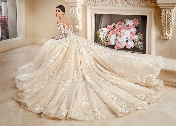 beautiful-wedding-dresses-ultra-chic-look-demetrios_02