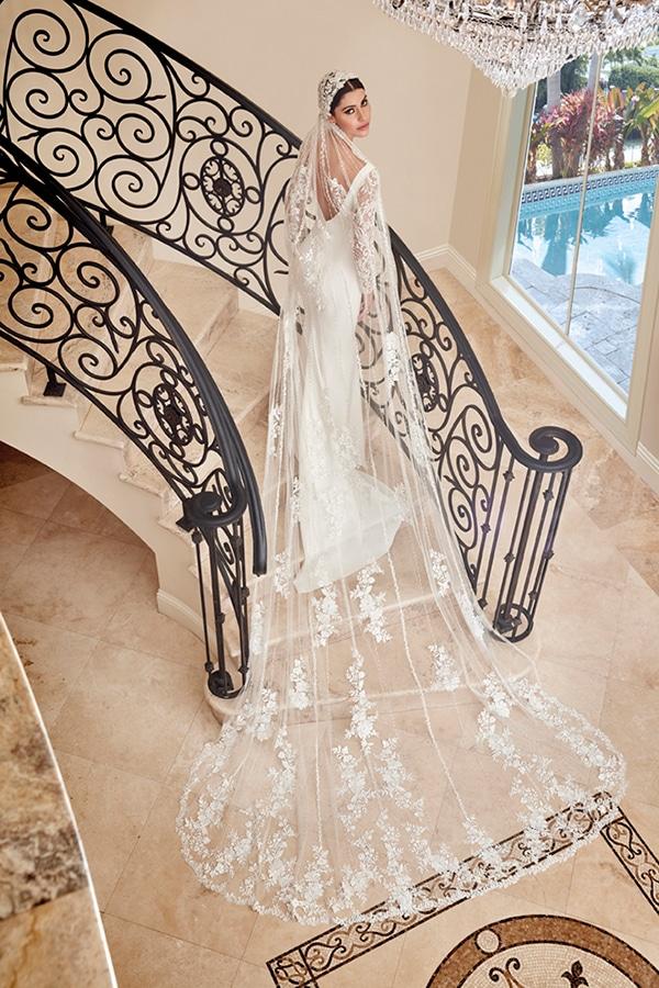 beautiful-wedding-dresses-ultra-chic-look-demetrios_05x