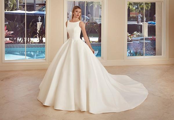 beautiful-wedding-dresses-ultra-chic-look-demetrios_08