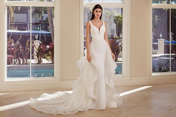 beautiful-wedding-dresses-ultra-chic-look-demetrios_09