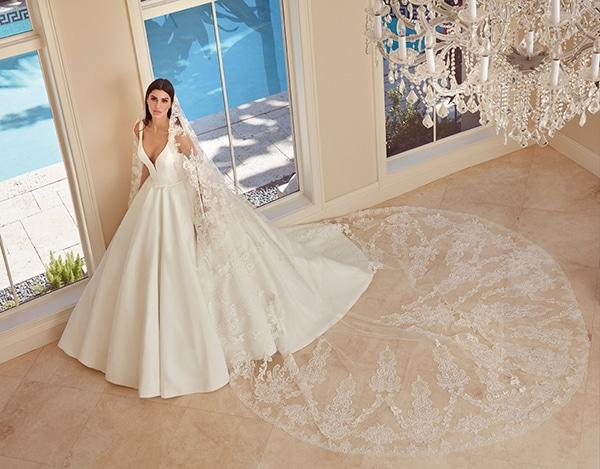 beautiful-wedding-dresses-ultra-chic-look-demetrios_10