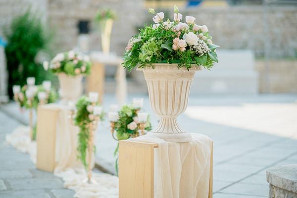 Ιδέες διακόσμησης γάμου με όμορφες ανθοσυνθέσεις σε παστέλ αποχρώσεις