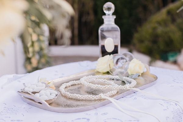 elegant-chic-wedding-athens-with-white-flowes_15x
