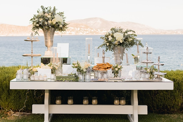 elegant-chic-wedding-athens-with-white-flowes_23
