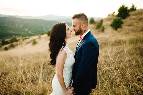 Ρομαντικός καλοκαιρινός γάμος στην Κοζάνη σε λευκές αποχρώσεις