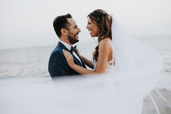 Ρομαντικός γάμος με λευκά άνθη και vintage λεπτομέρειες | Μαρία & Κωνσταντίνος