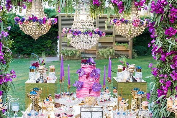 Εντυπωσιακές ιδέες διακόσμησης γάμου σε μωβ και ροζ αποχρώσεις
