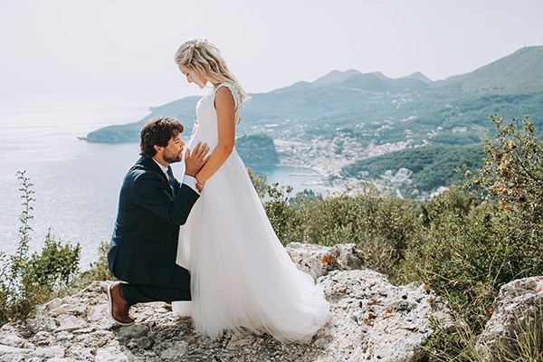 Ρομαντικός καλοκαιρινός γάμος σε παραλία της Πάργας με bohemian στυλ