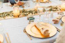 Elegant tableware σε χρυσο χρωμα