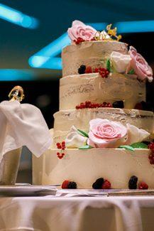 Τούρτα γάμου με φρούτα