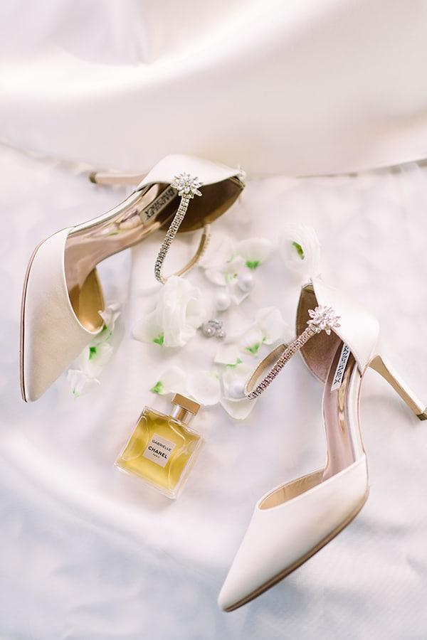 Νυφικά παπούτσια σε μπεζ χρώμα