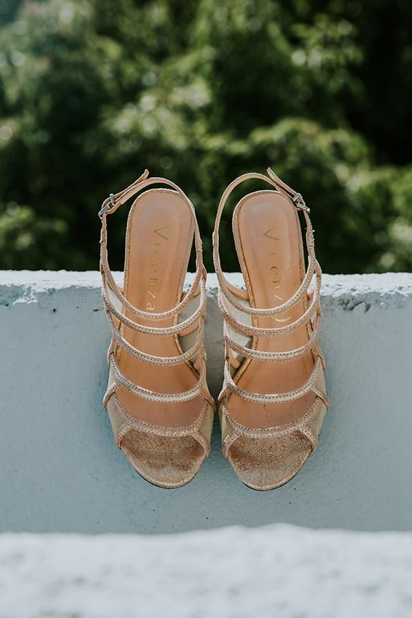 Νυφικά παπούτσια σε χρυσό χρώμα