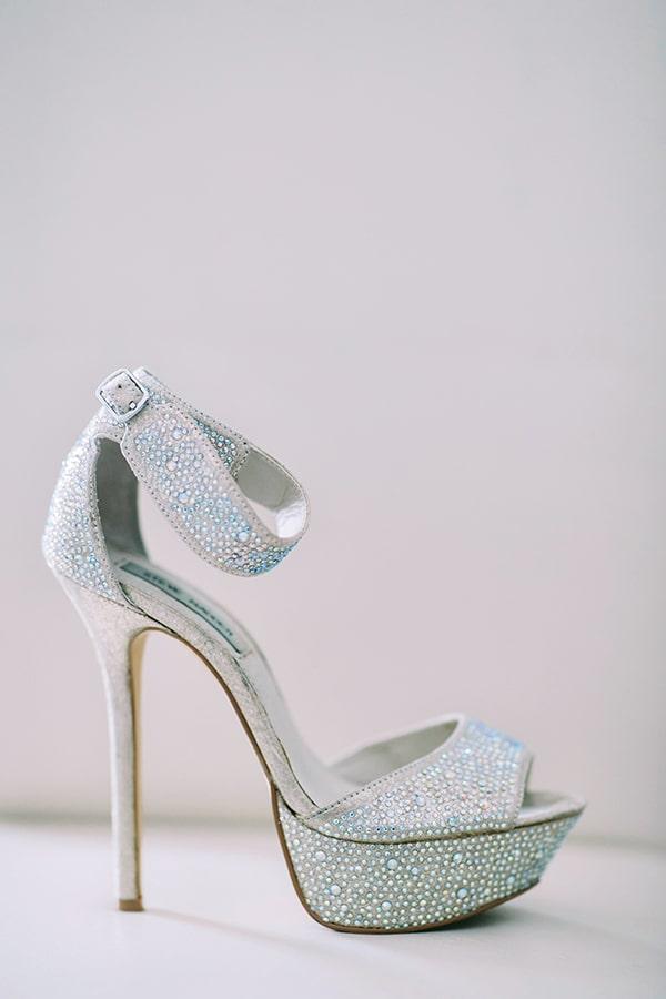 Νυφικά παπούτσια με στρας