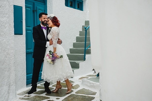 Ρομαντικος ανοιξιατικος γαμος στην Ιο σε λευκες και μωβ αποχρωσεις | Σταυρουλα & Σοφιανος