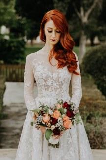 Elegant νυφικη ανθοδεσμη