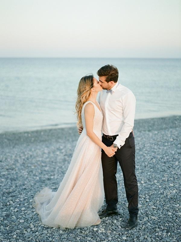 beautiful-chic-wedding-pastel-hues-cyprus_03