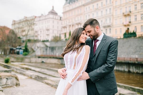 Χριστουγεννιατικος γαμος στην Αθηνα με μπορντω αποχρωσεις | Ιριδα & Αλεξανδρος