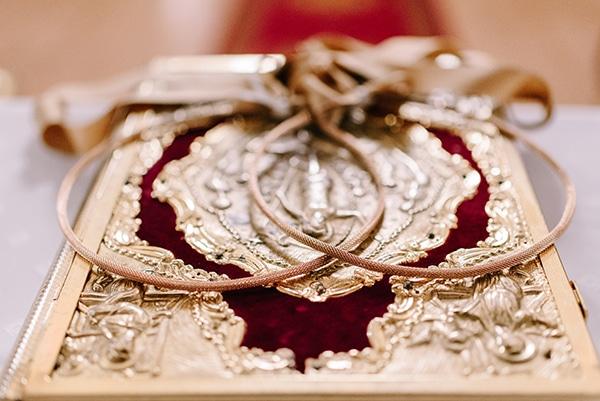 christmas-wedding-athens-burgundy-hues_24