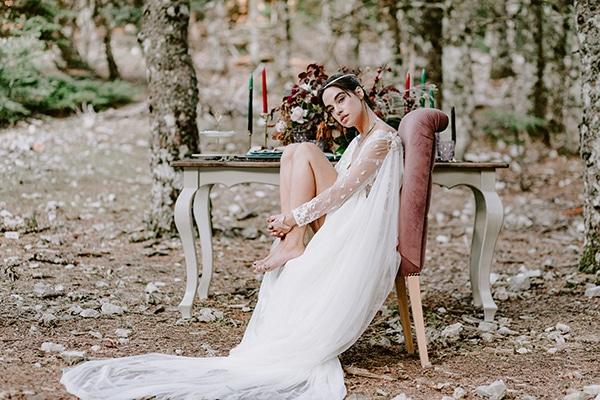 Ονειρική φθινοπωρινή φωτογράφηση στο δάσος με θερμά χρώματα