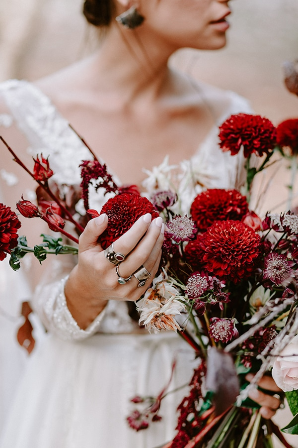 dreamy-fall-styled-shoot-woods-warm-color-tones_16x