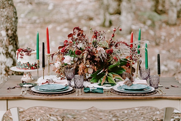 dreamy-fall-styled-shoot-woods-warm-color-tones_19