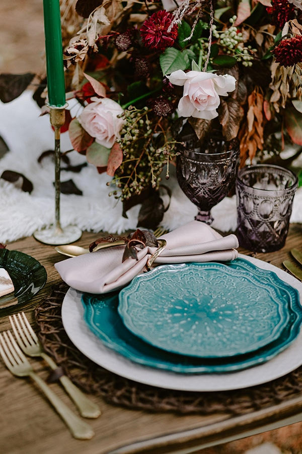 dreamy-fall-styled-shoot-woods-warm-color-tones_20