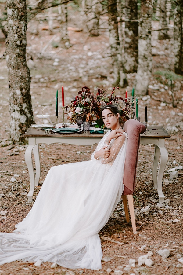 dreamy-fall-styled-shoot-woods-warm-color-tones_27