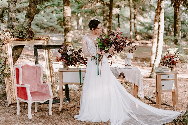 dreamy-fall-styled-shoot-woods-warm-color-tones_31