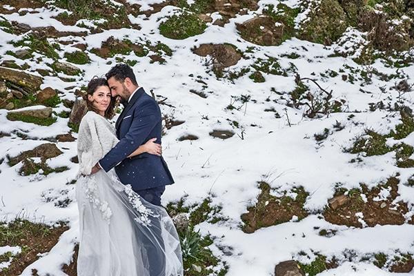 Χειμωνιάτικος γάμος στην Τήνο με ελιά και χρυσές λεπτομέρειες│Μαρία & Μάρκος