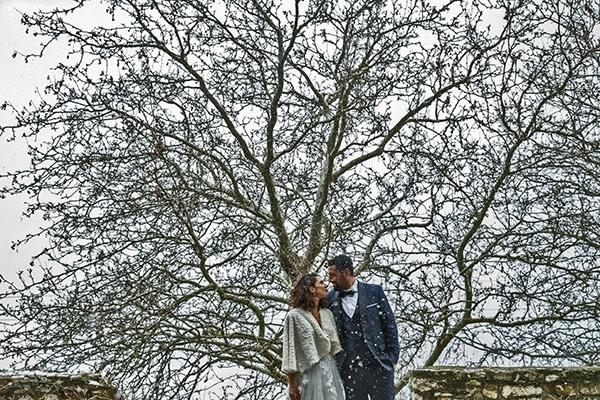elegant-winter-wedding-tinos-olive-gold-details_04x