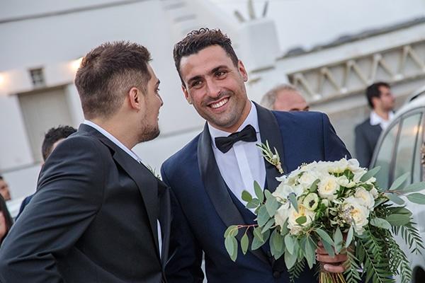 elegant-winter-wedding-tinos-olive-gold-details_13