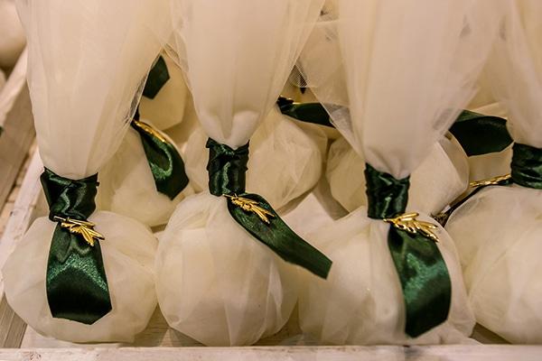 elegant-winter-wedding-tinos-olive-gold-details_29