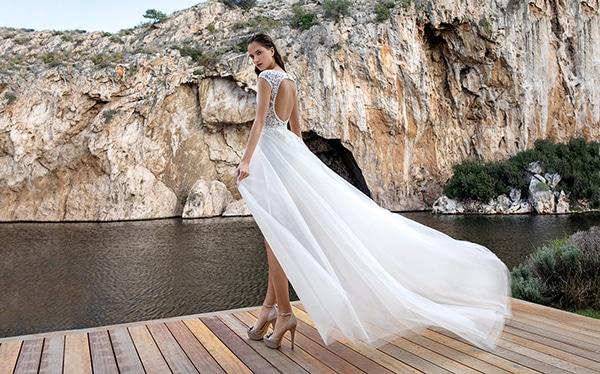 flowy-wedding-dresses-elegant-bridal-look-demetrios_01